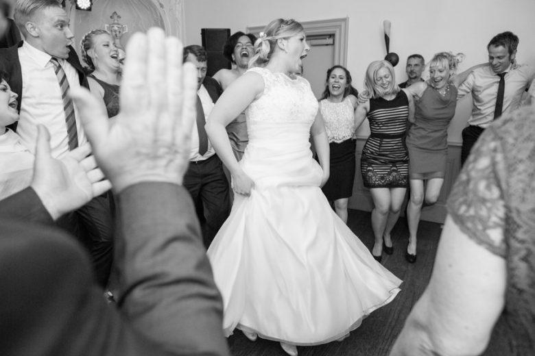 Fotos_Hochzeitsfotos_Hochzeitsreportage_Schwerin_authentisch_natürliche_Luebeck_echt_romantisch_kirchlich