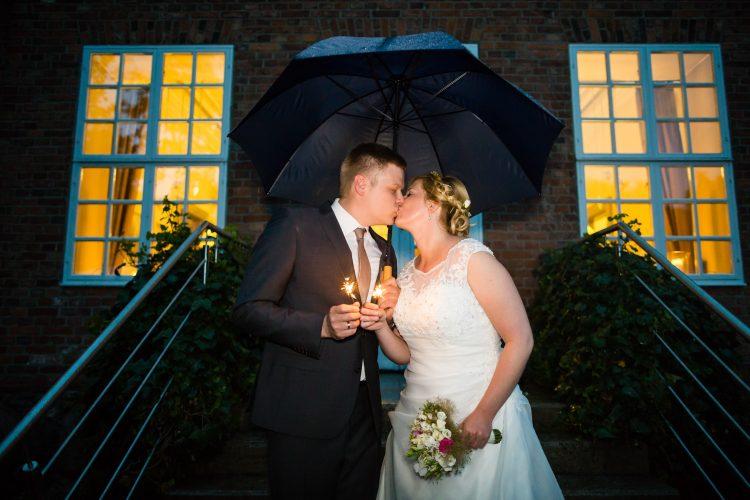Hochzeitsfotos_Fotos_Hochzeit_natürlich_echt_romantsich_authentisch_Ostsee_Luebeck_Travemuende_kirchlich